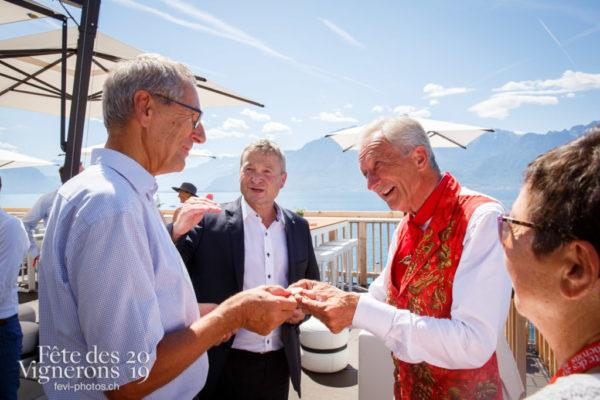 Journée cantonale, à la suite du cortège et défilé  du canton d'Appenzell, accueil des autorités aux Terrasses de la Confrérie, par l'Abbé Président François Margot