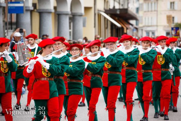 Journée cantonale, Neuchâtel - Cortège, Fifres de Neuchâtel, journee-cantonale-neuchatel, Journées cantonales, Les Armourins, Neuchâtel, Photographies de la Fête des Vignerons 2019.