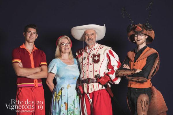 Studio - Cent suisses, Chœurs de la Fête, Choristes-percussionnistes, Fourmis, Musiciens de la Fête, Sport Flammes, Studio, Photographies de la Fête des Vignerons 2019.