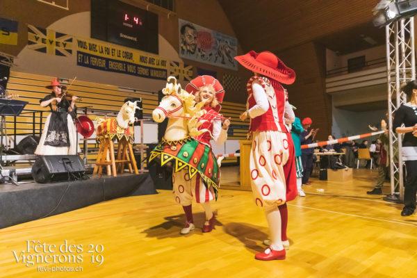 FeVi2019 - Réception ville de Vevey - Cent pour Cent, les-vendangeurs-masques, vevey-remercie-les-figurants-et-benevoles, Photographies de la Fête des Vignerons 2019.