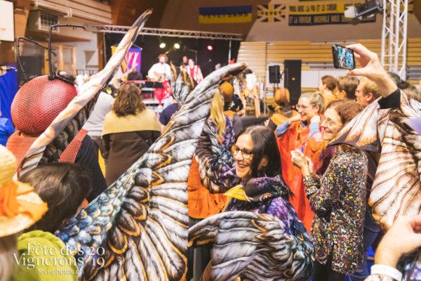 FeVi2019 - Réception ville de Vevey - Etourneaux, etourneaux placeurs, les-vendangeurs-masques, vevey-remercie-les-figurants-et-benevoles, Photographies de la Fête des Vignerons 2019.