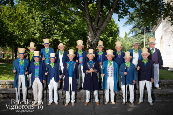 08-03_groupe_confrérie_JulieM-5655 - conseil-honoraire, Conseillers honoraires, groupe, Photographies de la Fête des Vignerons 2019.