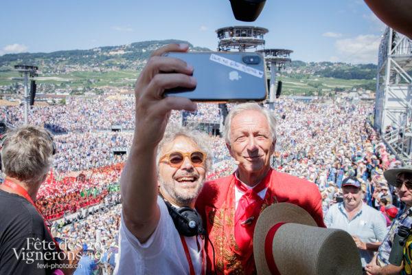 Discours de clôture - Abbé Président, Daniele Finzi Pasca, Direction artistique, Final, François Margot, selfie, Photographies de la Fête des Vignerons 2019.